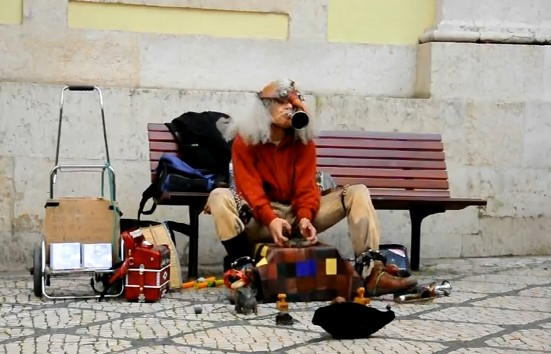 crazy street artist singing