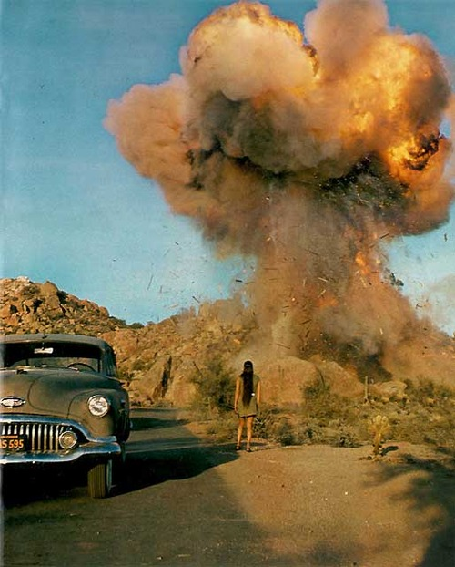 explosion_girl_car